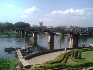 クエ川鉄橋